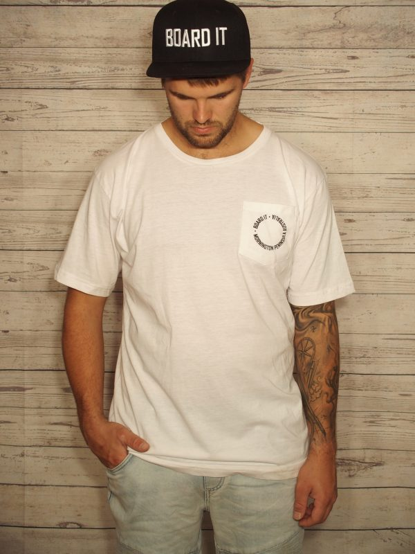 white mens t shirt